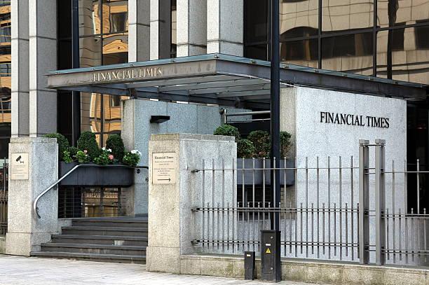 haupteingang der hauptsitz der financial times - new york times stock-fotos und bilder