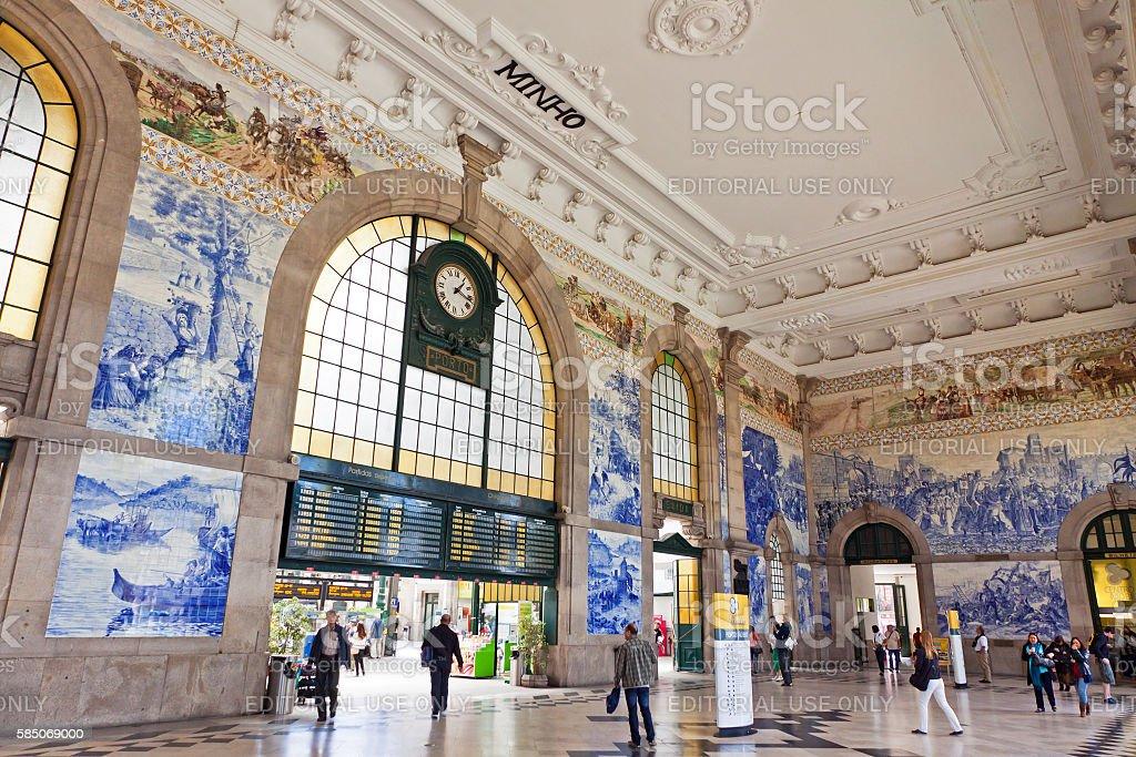 Main hall of Sao Bento Railway Station in Porto stock photo