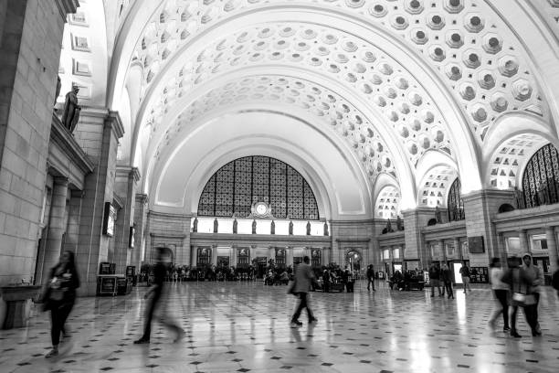 Main Hall of Washington Union station - WASHINGTON DC - COLUMBIA - APRIL 9, 2017 Main Hall of Washington Union station - WASHINGTON DC - COLUMBIA - APRIL 9, 2017 BW ronald reagan washington national airport stock pictures, royalty-free photos & images