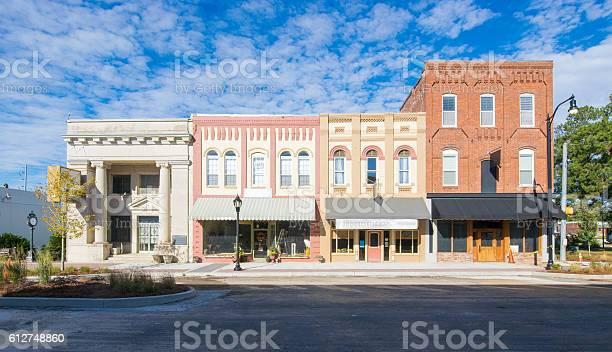 Main street usa small town shops picture id612748860?b=1&k=6&m=612748860&s=612x612&h=cs1iguqeerlawh11efcbkbvyhv07lurh hvrosqltuc=