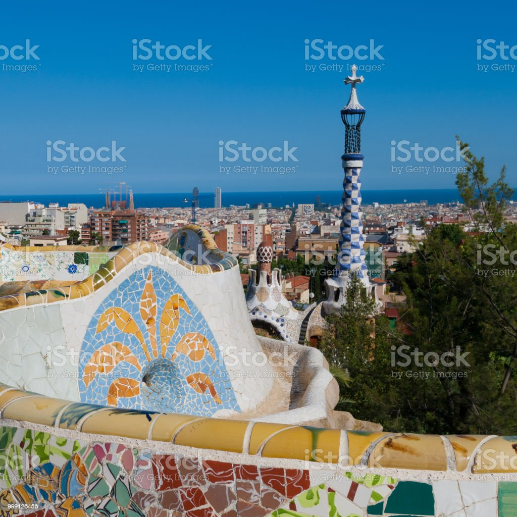 Terraza Principal En El Parque Guell Barcelona España Foto