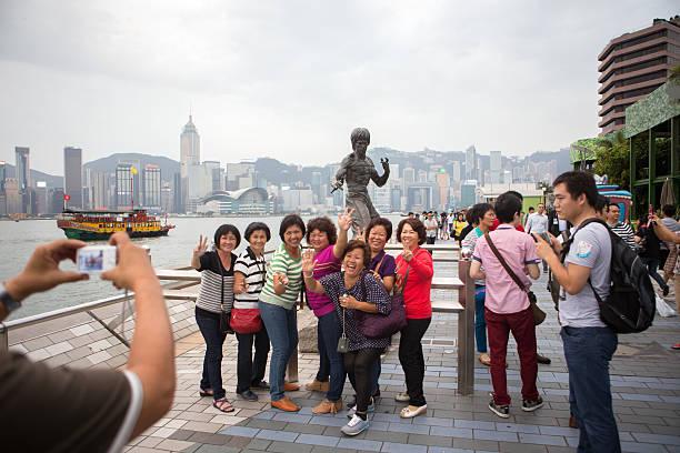 Turistas chineses em Hong Kong - foto de acervo