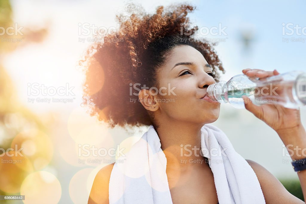 Maintaining good hydration also supports healthy weight loss - foto de stock
