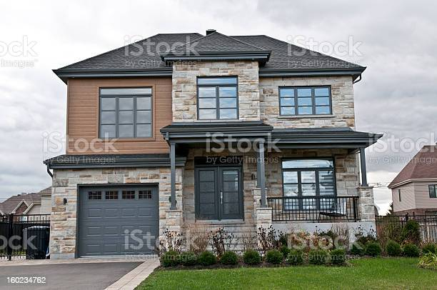 Maison Moderne Pierre Et Bois Modern House Stone And Wood Stock Photo Download Image Now Istock