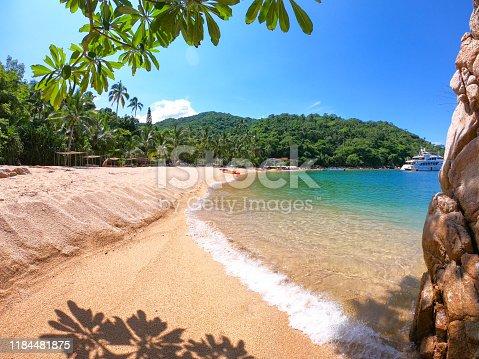 Playa Majahuitas Puerto Vallarta Jalisco México, playa escondida en la sierra madre, montañas verdes, vacaciones en Puerto Vallarta