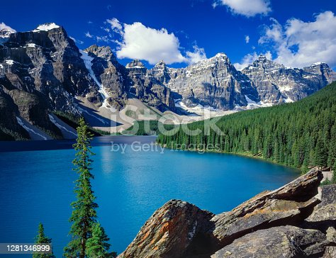 Moraine Lake in the Valley of the Ten Peaks, Banff Provincial Park, Alberta, Canada