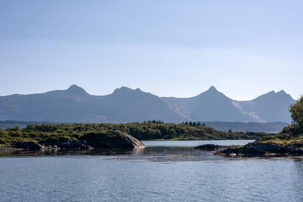 Majestic Norwegen Berg und See Landschaft – Foto