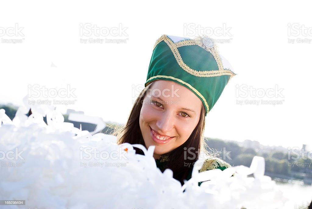 Majorette sonriendo y mirando a la cámara - foto de stock