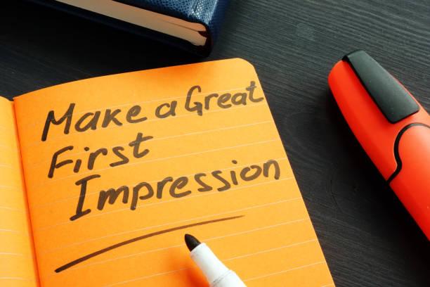 Machen Sie einen tollen ersten Eindruck handschriftlich in der Notiz. – Foto