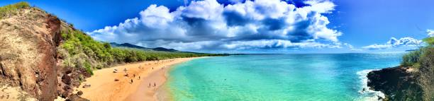 makena state park, big beach view from a cliff - maui, hi samuel howell stock pictures, royalty-free photos & images