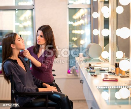 istock Makeup Artist at work 462579285