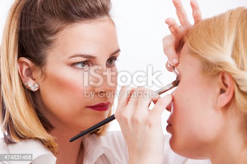 istock Make-up artist 474531458