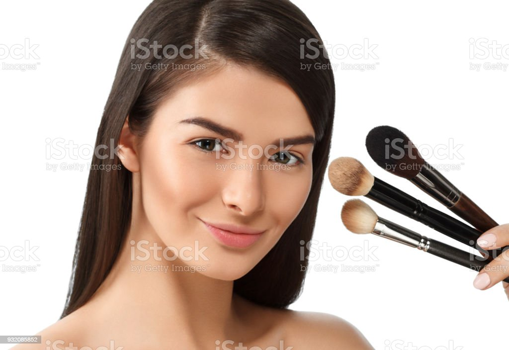 Make Up Stoel : Makeup brush woman with healthy skin portrait young beauty model