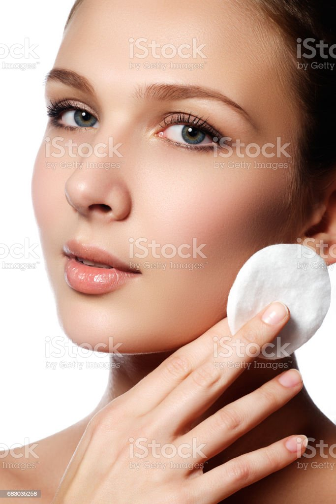 Make-up & cosmetics. Closeup portrait of beautiful woman model f foto de stock royalty-free