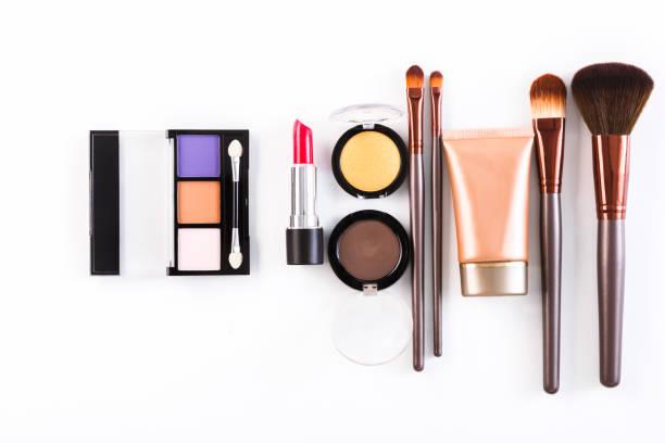 化粧化粧品道具と必需品、フラット ホワイト バック グラウンドに置く ストックフォト
