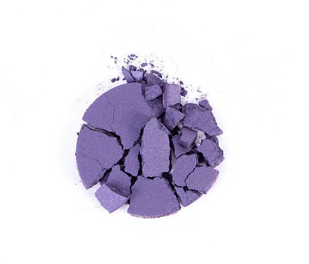 Make-up-Puder aus zerstoßenen Lidschatten – Foto