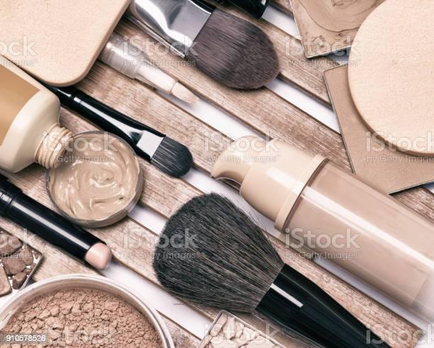 Makeup foundation products and accessories picture id910578526?b=1&k=6&m=910578526&s=612x612&h=uxo3lat7wjo7sgqtgjxskjk2iaijk5hqr8exsehi0fu=