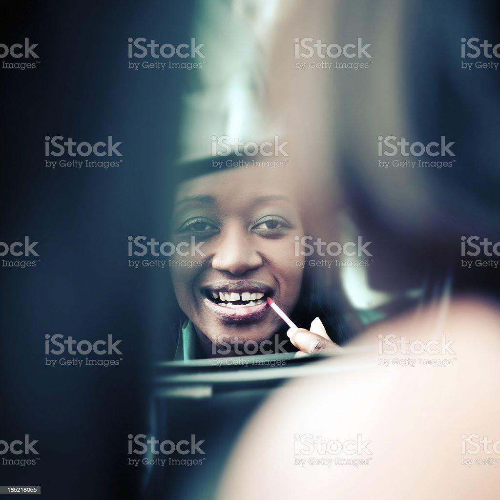 Make-up im Auto – Foto