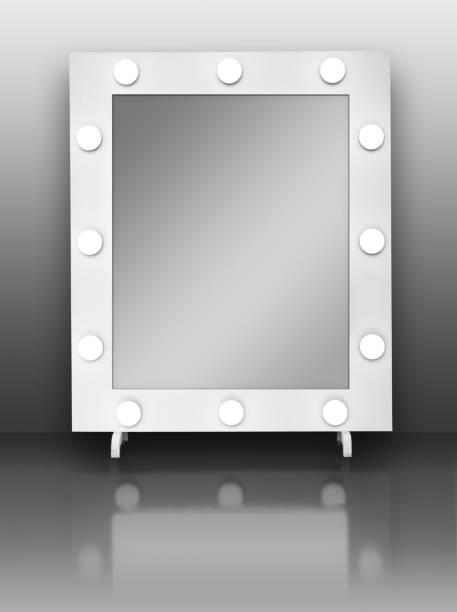 spiegel gl hbirnen bilder und stockfotos istock. Black Bedroom Furniture Sets. Home Design Ideas