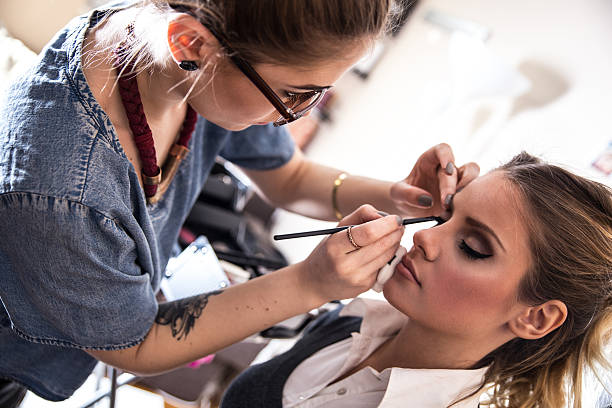 make-up - makeup artist bildbanksfoton och bilder