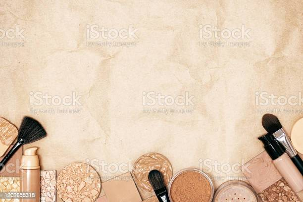 Makeup products to even skin tone and complexion on kraft paper top picture id1202658318?b=1&k=6&m=1202658318&s=612x612&h=vdbs2gdle0 pxuhzxsfw gx0k1wfh3njylgjr71rltk=