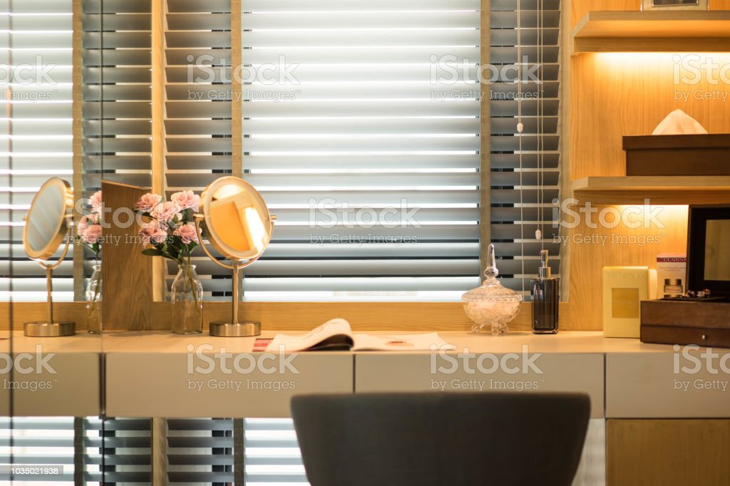 Bouquet, Bunch of Flowers, Curtain, Just Married, Mirror