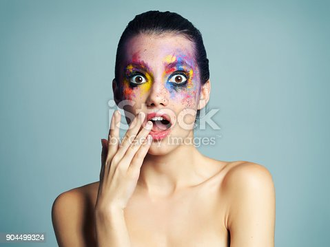 istock Makeup that gives her eyes that wow factor 904499324
