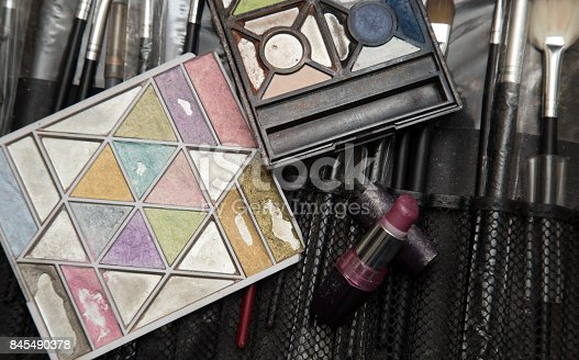 847152928 istock photo makeup tools 845490378