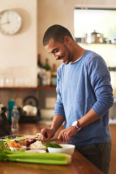 making a healthy meal from scratch - paleo diät stock-fotos und bilder