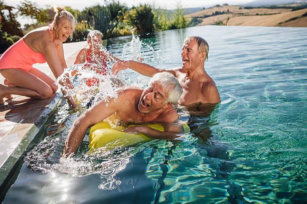 auffallen - ferienhaus toskana stock-fotos und bilder