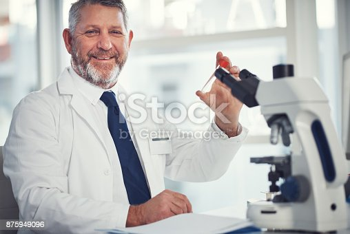 istock Making brand new medical discoveries everyday 875949096