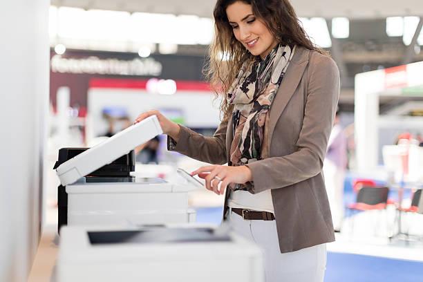 faire des copies - photocopieuse photos et images de collection