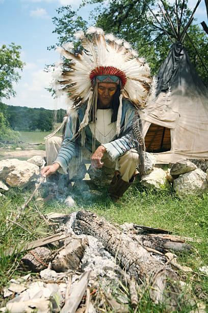 die fire - indianer kostüm herren stock-fotos und bilder