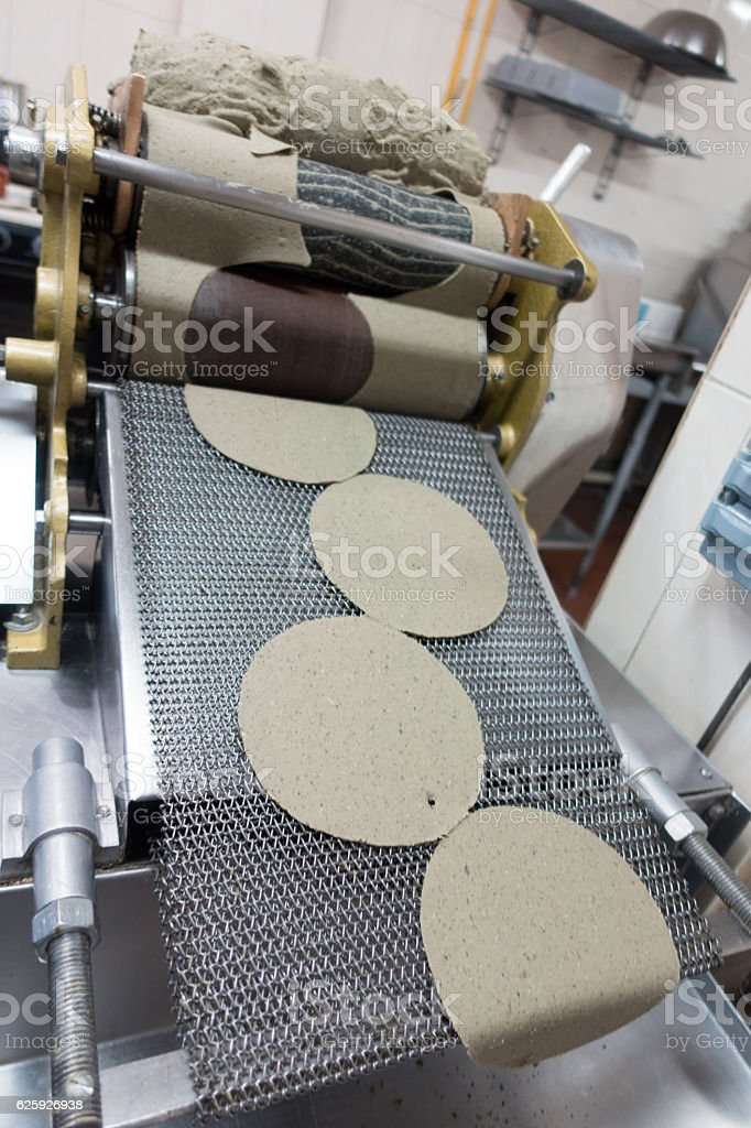 Making Fresh Tortillas in Mexican Restaurant - foto de stock