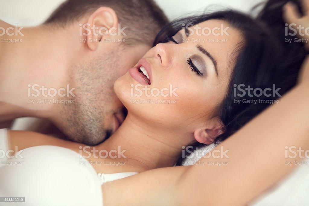性行為 - 2人のストックフォトや...