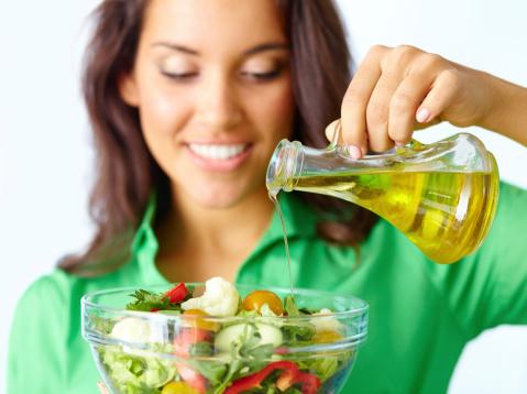 La Ensalada Foto de stock y más banco de imágenes de Aceite para cocinar