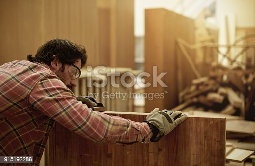 915192732 istock photo Making sure he has a smooth surface 915192286