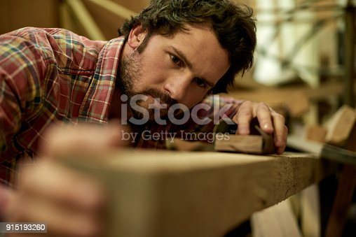 915192732 istock photo Making sure it has a perfect finish 915193260