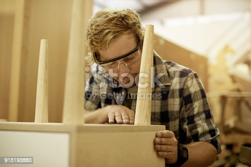 915192732 istock photo Making sure the customer gets great quality 915193880