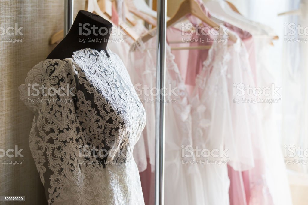 Hacer Vestido De Novia Foto De Stock Y Más Banco De Imágenes De Anticuado