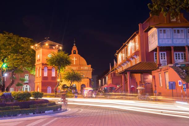 de straten van de stad malakka - malakka staat stockfoto's en -beelden