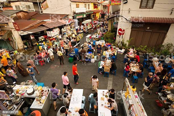 Malacca Melaka Night Market Stockfoto en meer beelden van Aziatische en Indiase etniciteit