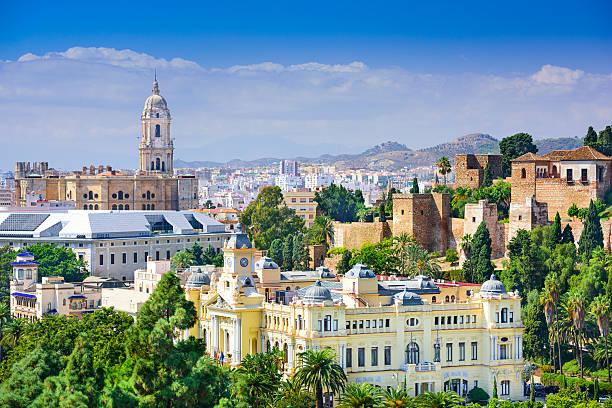 マラガ、スペインの海の眺め - ムーア様式 ストックフォトと画像