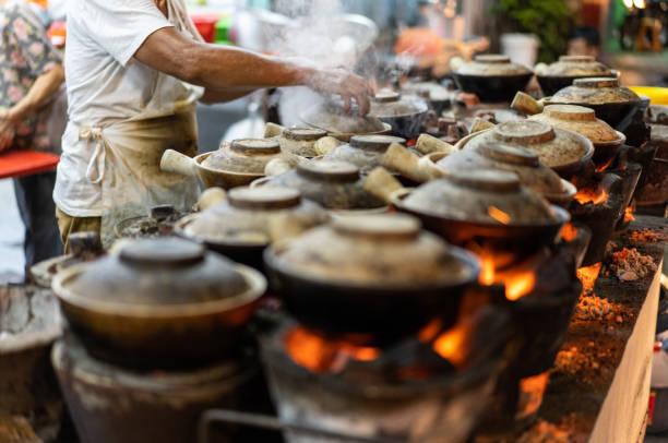 말레이시아 호커 문화, 항아리 치킨 라이스 - 쿠알라룸푸르 뉴스 사진 이미지