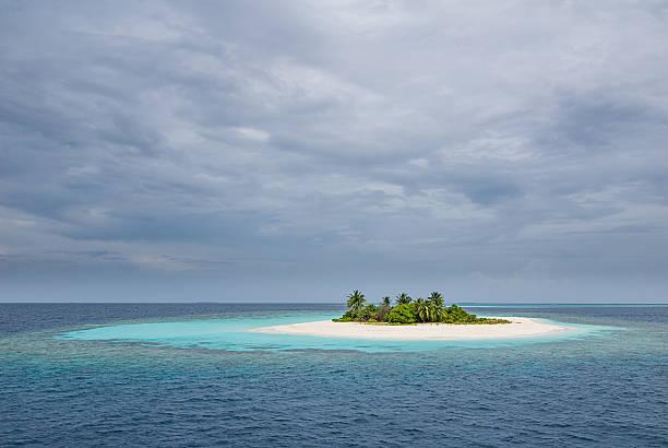 maldivian desert island - desert island stock photos and pictures