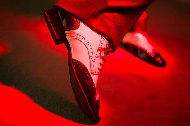male dancer dancing shoes - tango taniec zdjęcia i obrazy z banku zdjęć
