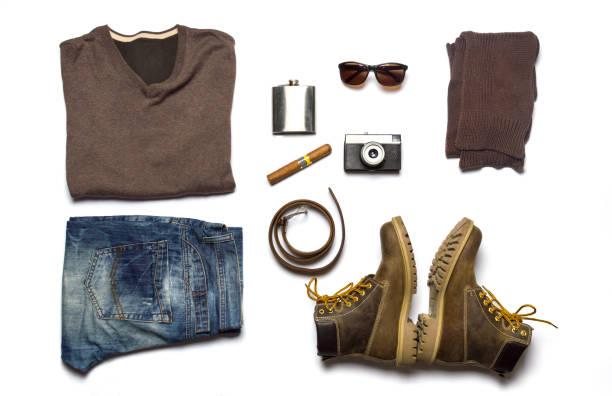 männliche mode-accessoires flach legen isoliert - herren outfit stock-fotos und bilder