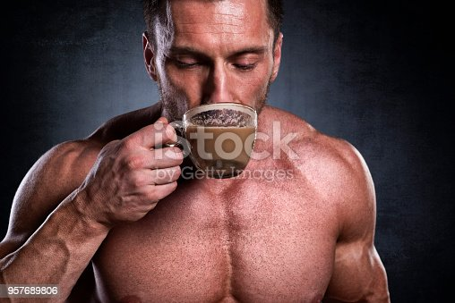 istock Male fitness athlete 957689806