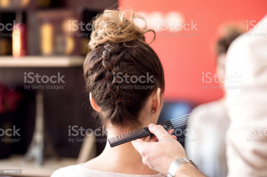 男理髮師造型客戶美髮美容院 - 免版稅乾淨圖庫照片