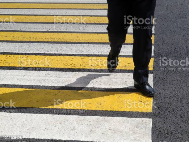 Male legs on the pedestrian crossing picture id1024106426?b=1&k=6&m=1024106426&s=612x612&h=0 qa6umhxzmpqom4xmumvild9hahan64l511nkjwbsi=
